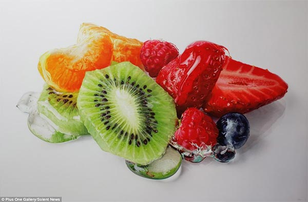 Tom Martin Hyper-Realistic Paintings