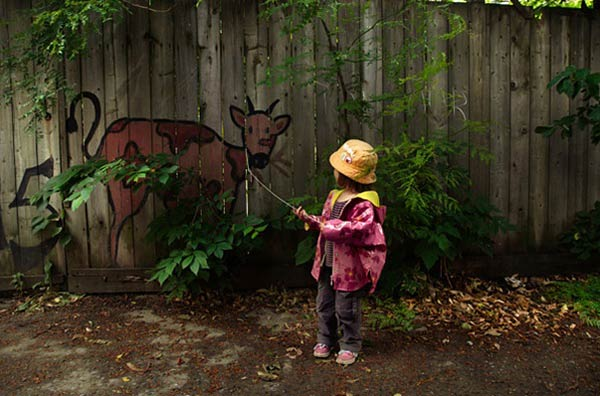Please Draw Me a Wall: Creative Photos of People Interacting with Graffiti