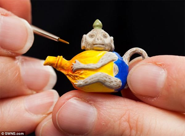 Miniature Animal Sculptures by Sadie Campbell