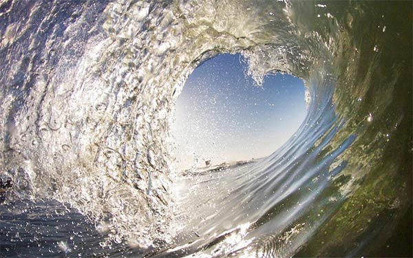 Beautiful Heart-Shaped Wave