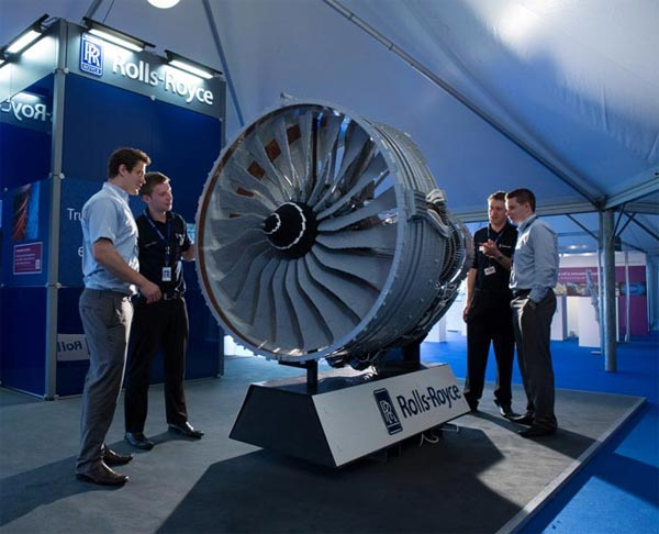 Rolls-Royce's Latest Jet Engine Made from 150,000 Lego Bricks