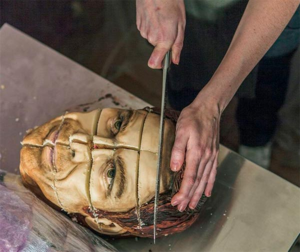 "Life-Size ""Dexter"" Cake Looks Deliciously Disgusting"