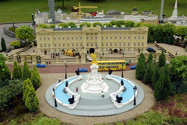 Lego model of Buckingham Palace