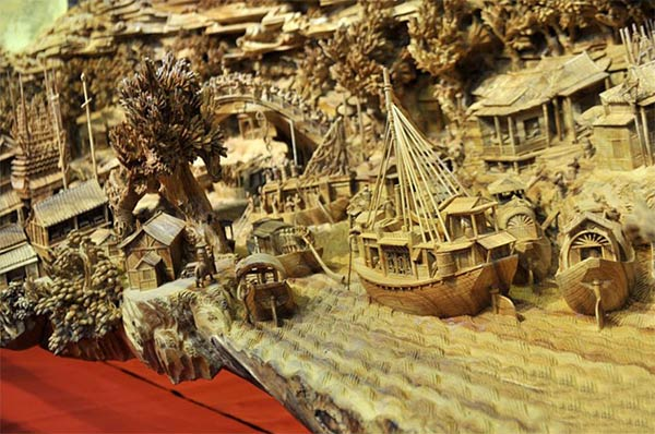 Chinese Sculptor Spends 4 Years Sculpting World's Longest Wooden Sculpture