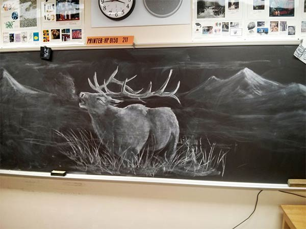 Art Teacher Draws Stunning Chalkboard Drawings